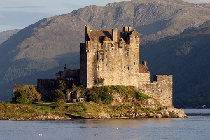 Eilean Donan by Eusebius@Commons, flickr