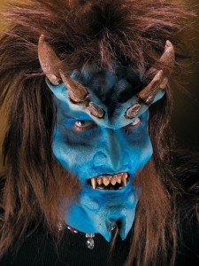 daemon_halloween_latexapplikation_mit_hoernern_blau_horror_makeup-54000