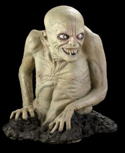 grossferatu-figur-horrorfigur-halloween-dekoration-monster-vampir-goblin